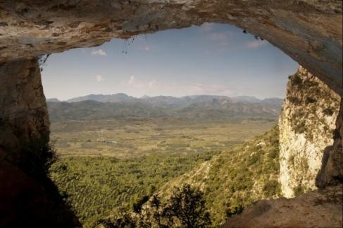 Entrada cueva Montgó