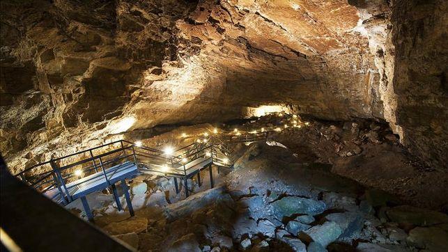 Cueva El Pendo, vista completa